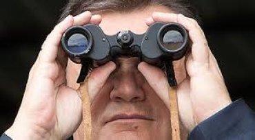 Янукович спрятался от своего адвоката