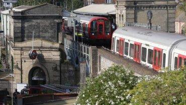 В Лондоне из-за женщины эвакуировали пассажиров станции метро