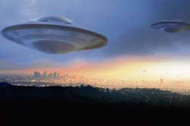 К Земле приближаются сотни НЛО