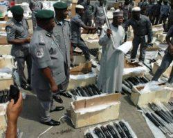 Власти Нигерии задержали судно, груженное оружием из Турции