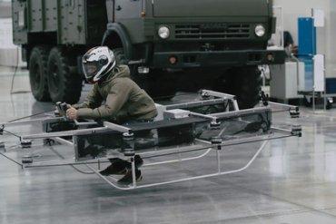 Шокирующий тест-драйв летающего мотоцикла концерна «Клашников»