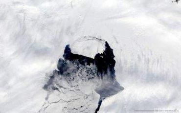 Ученые рассказали о размерах гигантского айсберга, который откололся от Антарктиды