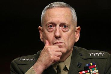 Террористы атаковали самолет министра обороны США