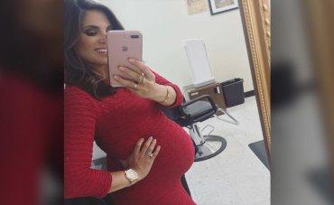 Беременная телеведущая начала рожать во время вечернего выпуска новостей