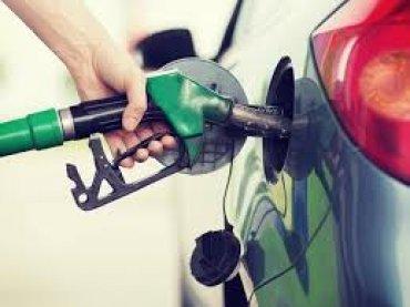 Никто не может объяснить резкое подорожание бензина на украинских АЗС