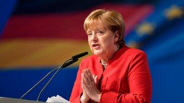 Меркель сравнила оккупацию Крыма с разделением Германии