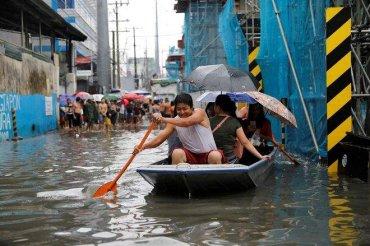 Филиппины заливают тропические дожди
