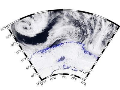 В Антарктиде обнаружена гигантская загадочная дыра