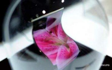 Samsung выпустит гнущийся смартфон лимитированным тиражом
