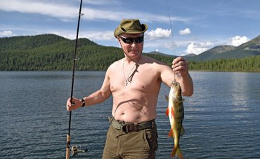 Британские дизайнеры назвали Путина супергероем