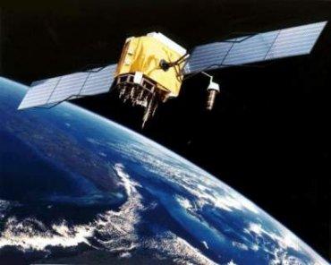 Ученые предупредили о падении огромного спутника на Землю