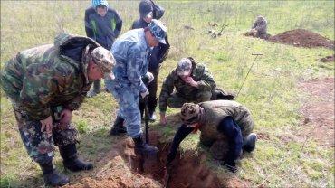 В Крыму раскопали полк убитых российских солдат