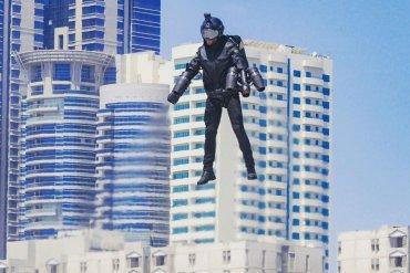Британский железный человек продемонстрировал летающий костюм в Дубае