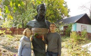 В Черкасской области украли бронзовый бюст Чорновола