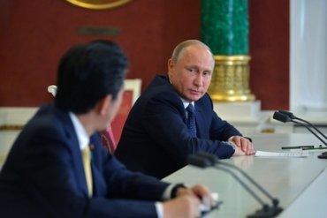 Премьер Японии все еще надеется заключить мир с Россией