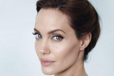 Анджелина Джоли снова с рогами