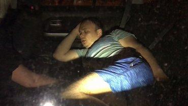 Российского министра поймали в трусах с пьяной чиновницей за рулем служебной машины