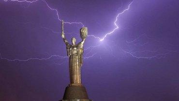 На Украину обрушатся шквалы с грозами