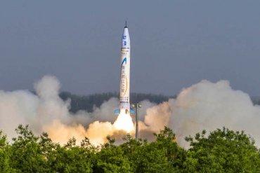 Китайская частная компания запустила свою первую ракету