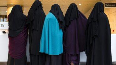 Дания запретила носить мусульманские наряды в общественных местах