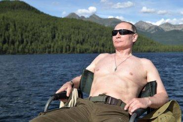 Путин объяснил, зачем фотографируется полуголым