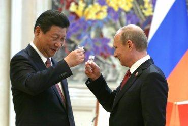 Путин прилетел в Пекин на день рождения Си Цзиньпина