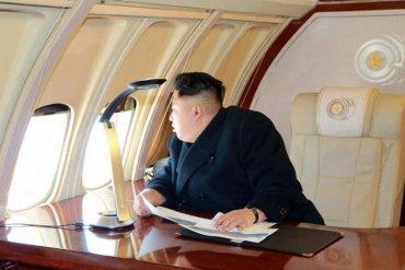Самолет с Ким Чен Ыном во время полета сменил курс и номер рейса