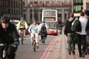 В Нидерландах хотят доплачивать людям, которые ездят на работу на велосипеде
