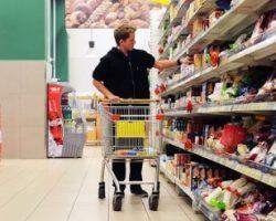 У 28% украинских потребителей не остается свободных средств после покупки товаров первой необходимости