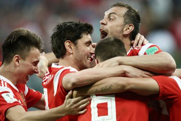 Сборная России впервые сыграет в 1/8 финала чемпионата мира по футболу