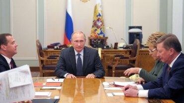 После разговора с Порошенко Путин срочно созвал Совбез РФ