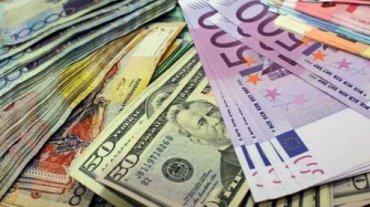 Украинцы смогут покупать валюту онлайн благодаря новому закону