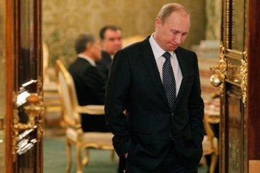 Кремль объяснил обвал рейтинга Путина