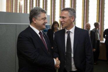 Порошенко пригласили на саммит НАТО