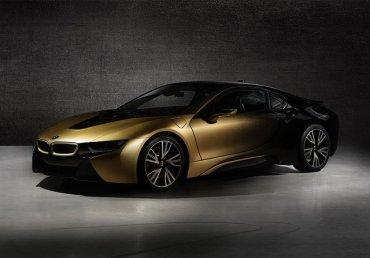Электро и спорткар BMW покрыли 24-каратным золотом