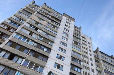 В Киеве пенсионерка пролетела 10 этажей в лифте и осталась жива