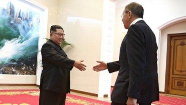 Российский телеканал дорисовал Ким Чен Ыну улыбку на фото с Лавровым