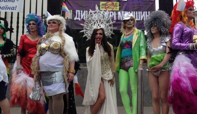 Банкир Ганах: Я – гей и горжусь этим!
