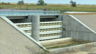 На Херсонщине дамба, которая перекроет подачу воды в Крым, практически готова