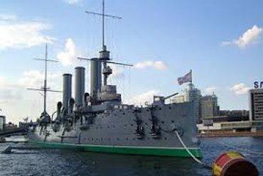 На крейсере «Аврора» открыли православный храм
