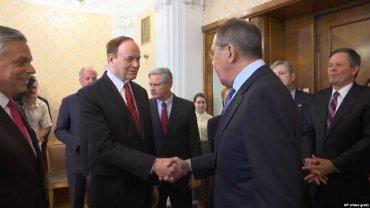 Сенатор из США после визита в Москву сравнил российские власти с мафией