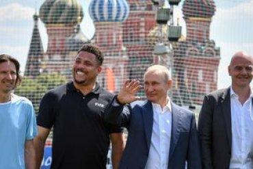 Роналдо снялся с Путиным на Красной площади