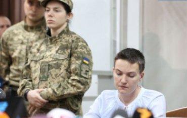 Савченко объявила голодовку после решения суда о продлении ей ареста