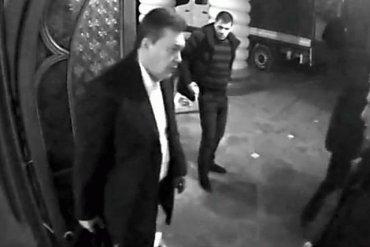 Янукович после бегства собирался вернуться в Украину через несколько дней