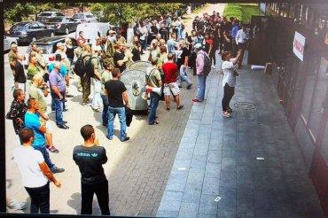 «Активисты» ворвались в здание НАБУ и сломали мебель