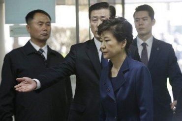 Экс-президенту Южной Кореи добавили срок за вмешательство в выборы