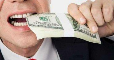 Новый налоговый закон о богатых сделает из банкиров полицейских