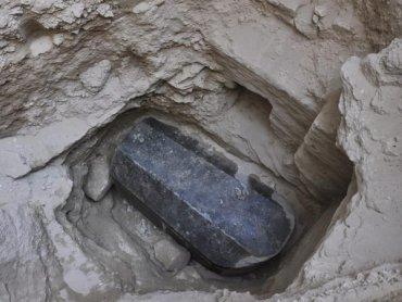 В Египте обнаружили загадочный гигантский саркофаг