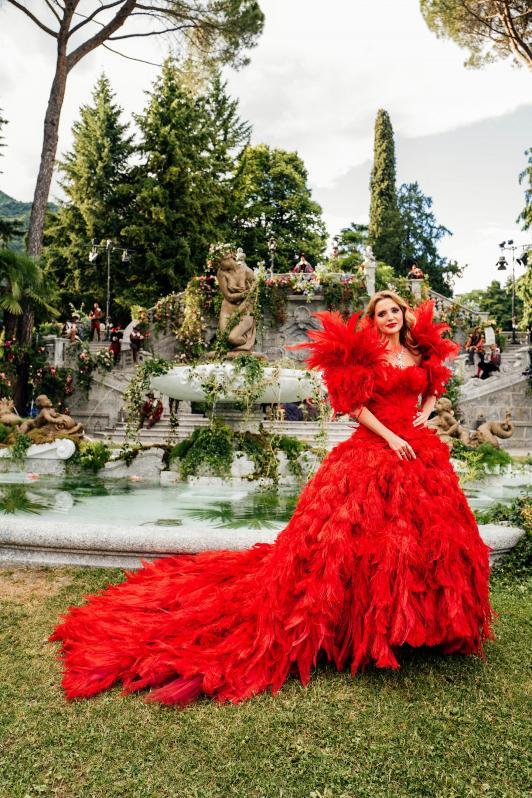 Tatler: Оксана Марченко сумела изумить взыскательную публику на показе Dolce&Gabbana