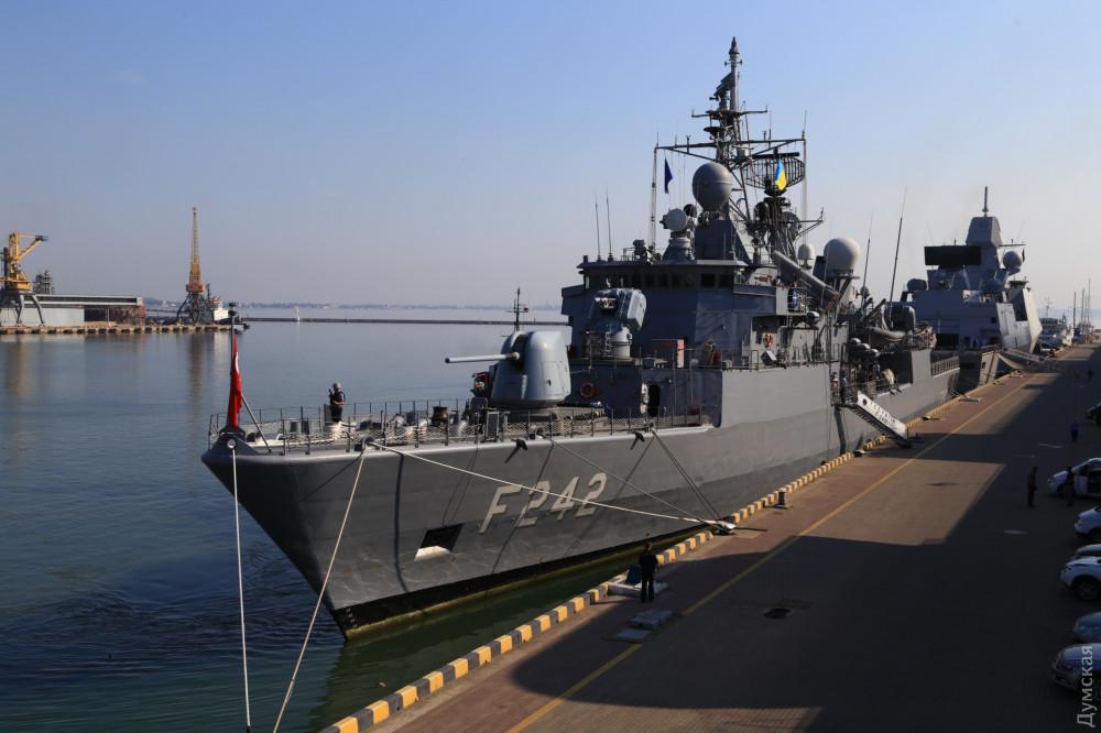 В Одессу зашло сразу шесть кораблей НАТО